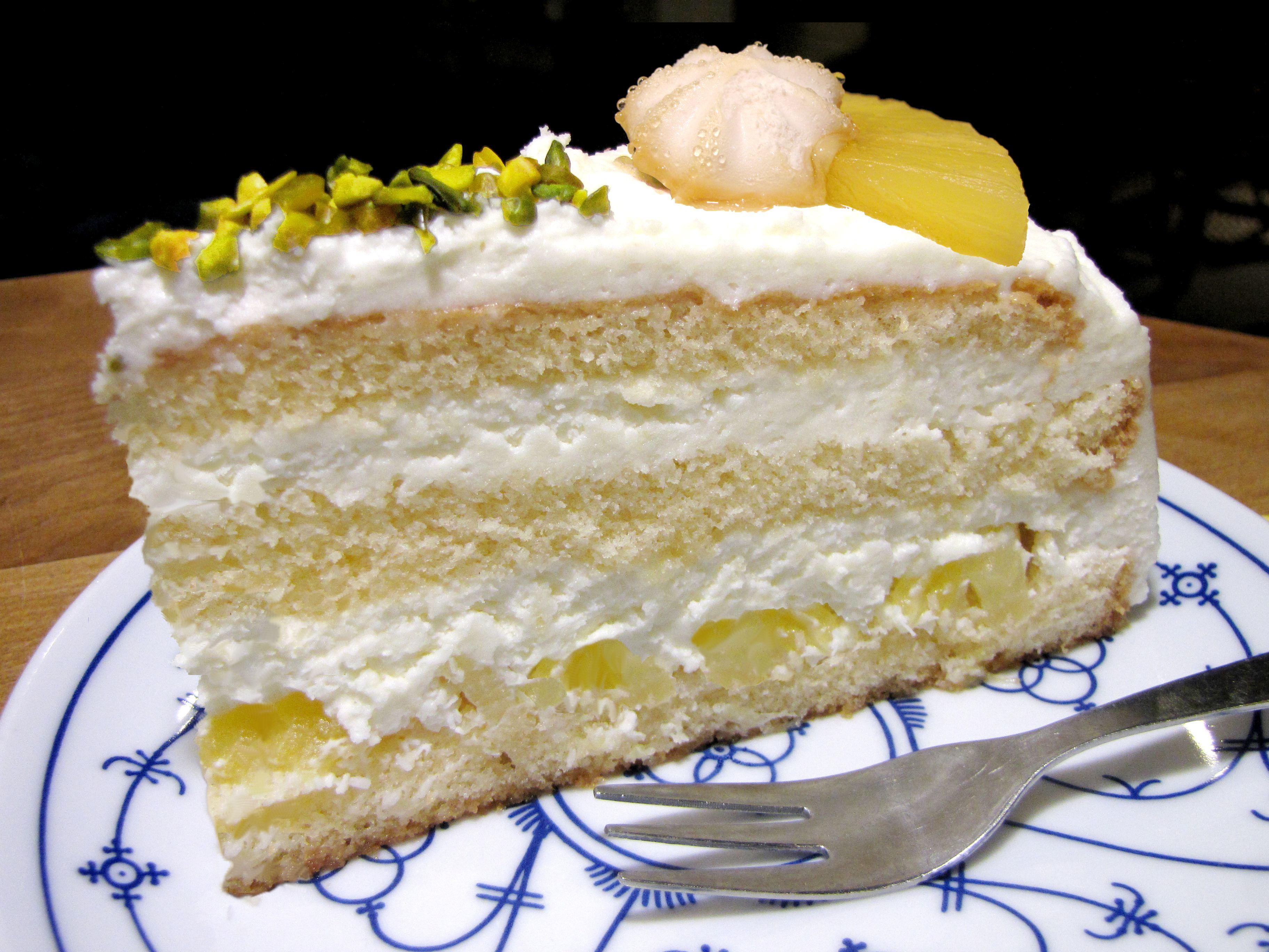 Kuchen und torten im caf haus zillertal for Kuchen solingen